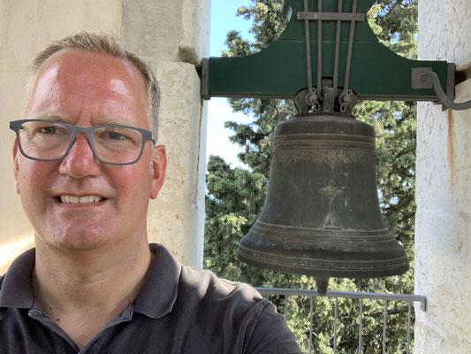 Am frühen Abend als die Temperaturen, dann halbwegs erträglich wurden, ab in die Stadt ... hier auf dem höchsten Turm Lissabons (wenn ich es richtig verstanden habe) .. die Glocke durfte man auch leuten!
