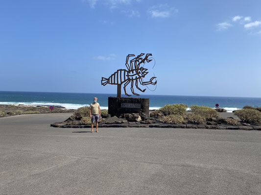 """An der Ostküste nördlich von Arrecife liegen weitere """"Grotten"""" und Höhlen ..."""