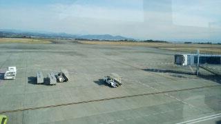 11時過ぎまで発着のない空港ですが、拡張工事をしています。