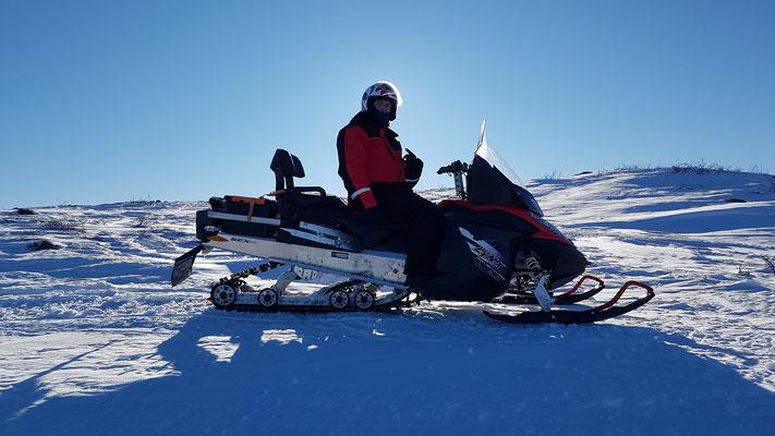 Schneemobiltour ins Gebirge