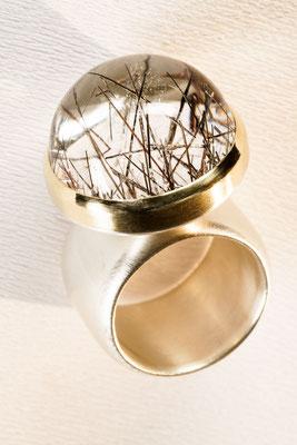Ring von Urte Hauck, Hemmingen. Turmalinquarz/rund 750 /-Gelbgold/ 9257-Silber                    VERKAUFT