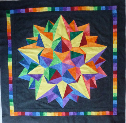 """Dodecula"", a paper piecing pattern by Ula Lenz...  as a quilt..."