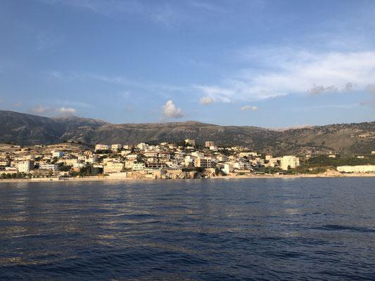 Himäre, Albanien