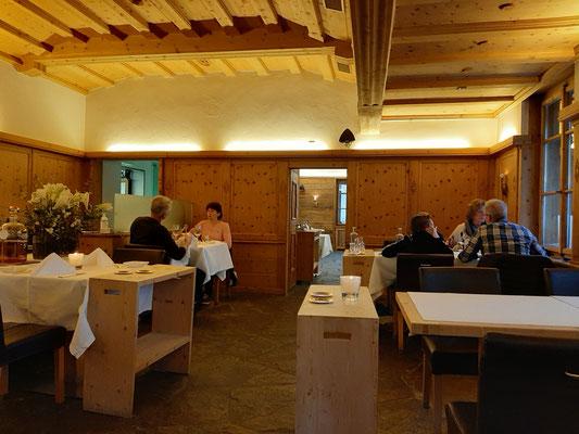 Dining at Stüva Müller Mountain Lodge