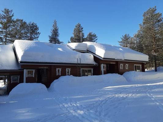 Snow Masses on KRT Cabins