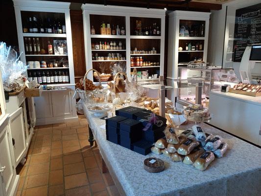 Delicacie Store at Glenner 1732 Vals