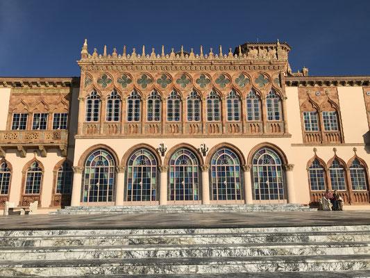 Bild: Das Herrenhaus Ca´ d`San von der Wasserseite