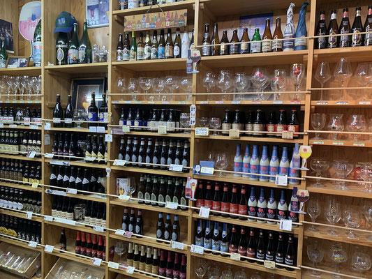 厳選こだわりのベルギービールと専用グラス