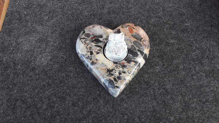 Herz aus Konglomerat