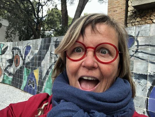 ... und noch so ein geniales Riesen-Mosaik von Miro.