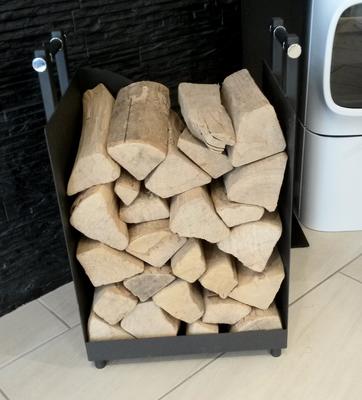 Feuerholzständer aus Eisen bei Norfeuer GmbH