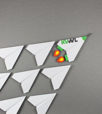 Papier Illustration Papierflieger KVWL Personalentwicklung