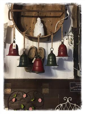 Weihnachtsmann, Lampe, Leuchte, Glocken, Weihnachtsglocke, Metall, rot, grün zum hängen, Anhänger, Aufhänger