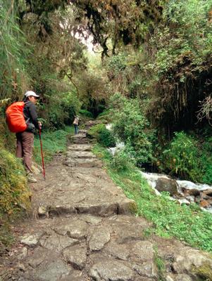 Der Inka Trail ist eine 42 Kilometer lange Treppe