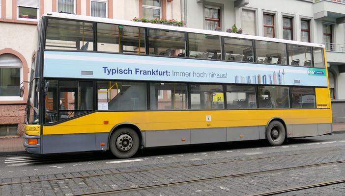 Berlinbus in Frankfurt © Fpics.de/Klaus Leitzbach