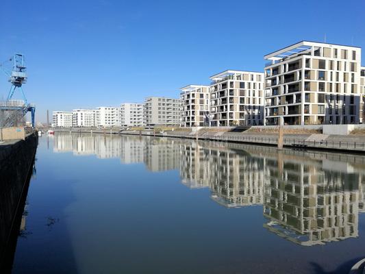 Hafeninsel Offenbach © dokubild.de / Klaus Leitzbach