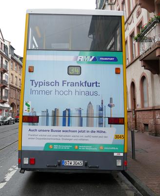 Berlinbus in Frankfurt © mainhattanphoto