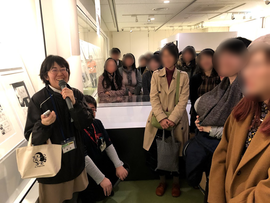二回のギャラリートークではたくさんのみなさんにご参加いただきありがとうございました!!リルフィバッグをもってる素敵な笑顔の女性が柴田さんでーす!ナイスアシスト✨