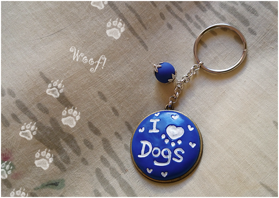 Portachiavi I love dogs, in fimo su cammeo metallico - 5*