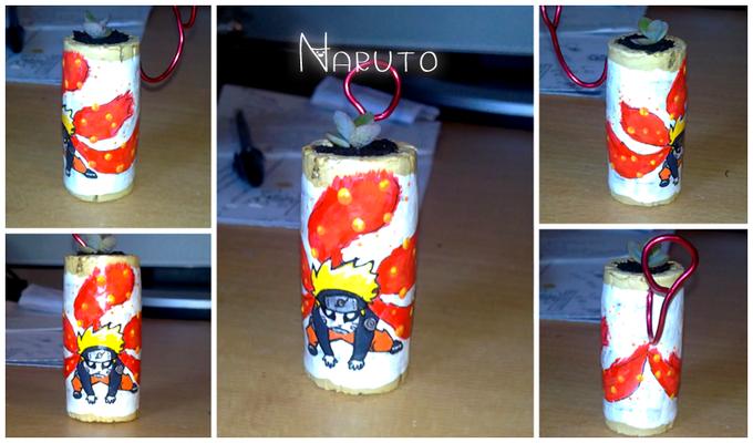 Vasetto Naruto, non disponibile ma riproducibile su richiesta, ha un appendino sul retro in metallo colorato. 12*