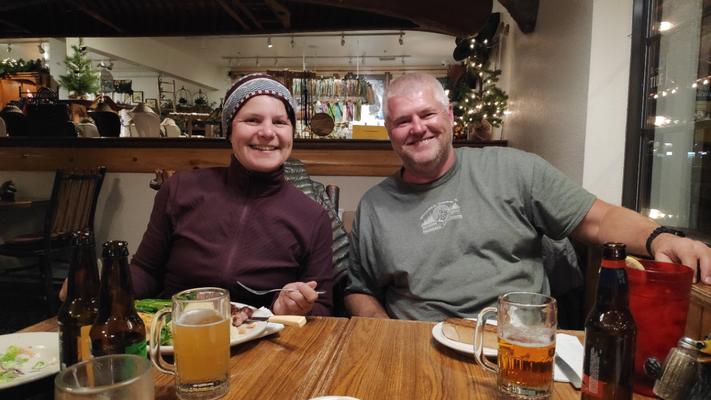 Abendessen mit Mike im Grizzlys Cafe