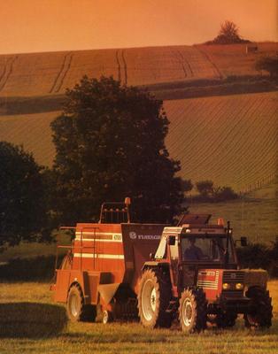 Fiatagri 110-90 mit Fiatagri Ballenpresse