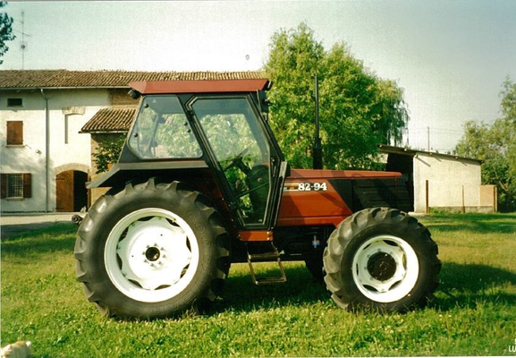 Fiatagri 82-94 Traktor