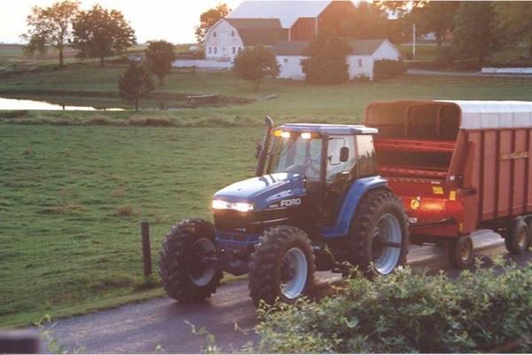New Holland Traktor 8770