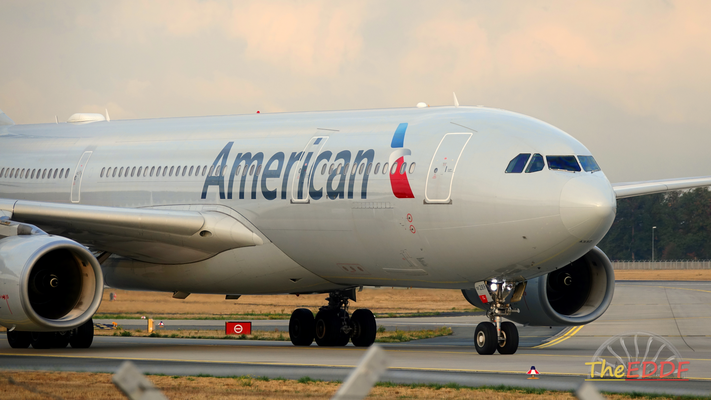 American Airlines Airbus A330-200 N289AY