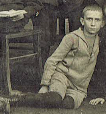 Mein Vater: Klassenfoto 1920