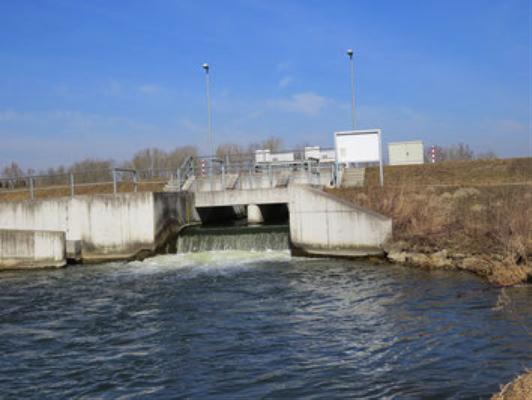 Bilder: Auslaufbauwerk in Neustadt a.d. Donau (Heinrich Wolf)