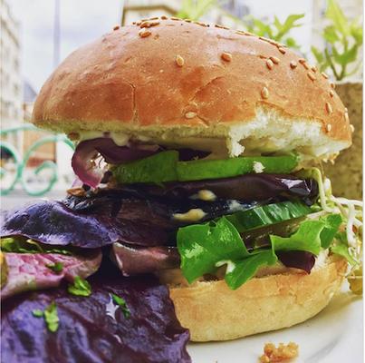 burger at abattoir vegetal paris france