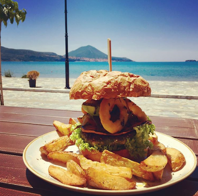 burger at namaste gialova greece