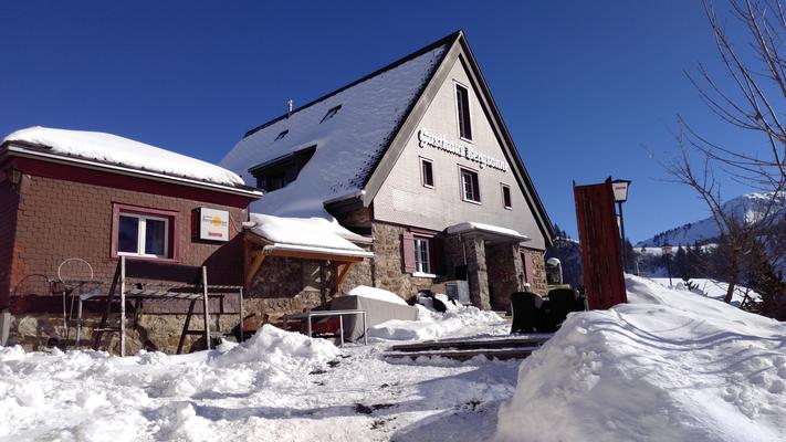 Aussenansicht Gasthaus Bergsonne Winter