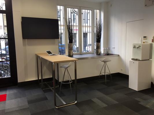 table comptoir de travail hauteur 110 pour travailler à l'espace détente café