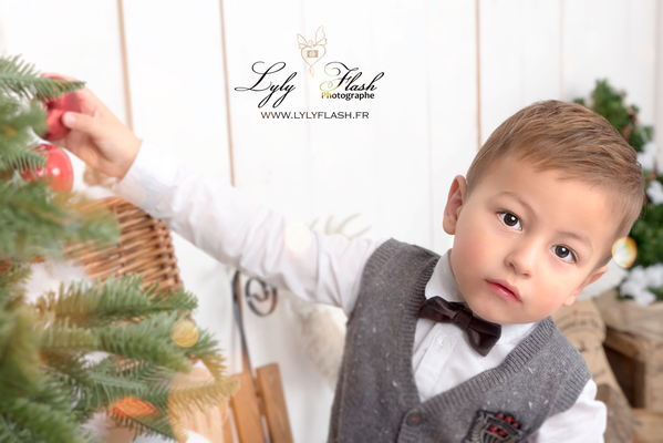 photographe de noël photo studio enfant
