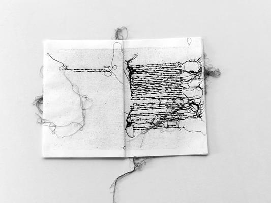 037 H 02 (interno) Lai Maria s.d. Italia carta xilografie in 2 libretti  cucite con fili di cotone 1/30 – 2/30  15x21