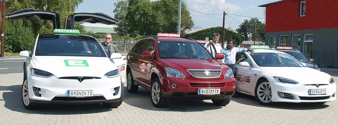 Manfred Breschan (Tesla Model X), KommR Karlheinz Winkler (Lexus Hybrid) und Jashim Bepari (Tesla Model S)