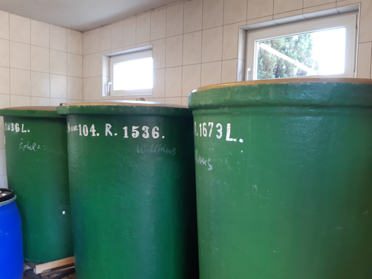 Fässer zur Lagerung der Williamsmaische