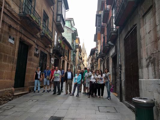 Oviedo, casco antíguo.Mañana, día 9,nos trasladamos a Avilés, desde dónde iniciamos el camino.