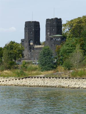 Ludendorf-Brücke, Brückenkopf Erpel