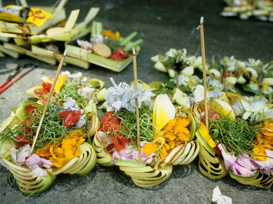 Opfergaben auf Bali - Indonesien