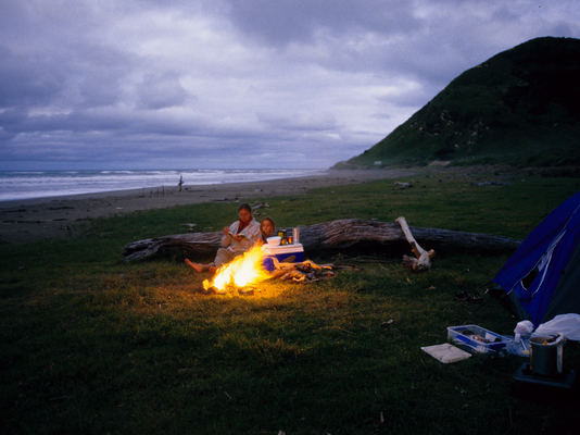Lagerfeuer am Strand - Neuseeland