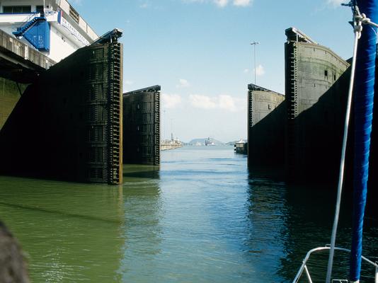 Das Tor zum Pazifik im Panamakanal - Panama