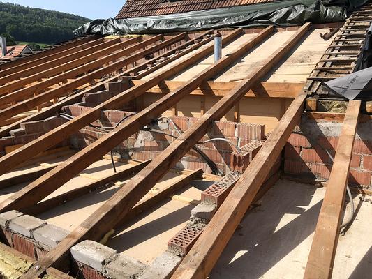 Dachsanierung - Kurt Strub Riken - Zimmerei | Dachbau | Spenglerei | Fassadenbau | Innenausbau