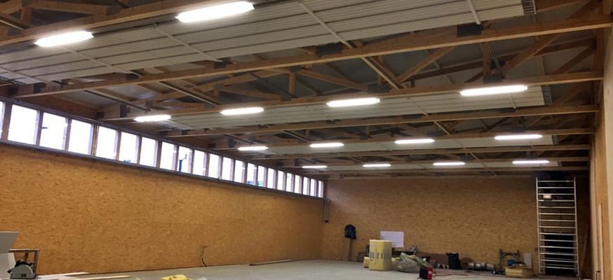 Garage Halle in Holz - Ihr Profi für Dächer und Wände Kurt Strub Riken
