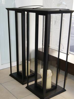 2 Laternen (ca. 1,20cm hoch) > Fr. 40.–/Stk.