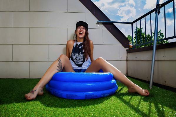 Model: Olga Kenig