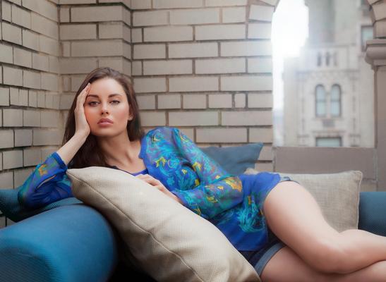 Model: Maria Svets (APM Models)