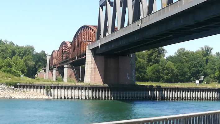 125 Jahre Rheinbrücke Wintersdorf mit seinen Bögen , © Peter Diziol
